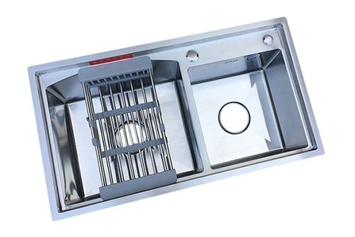 Double Bowl Sink With Drainboard - A Highly Resistant Dishwasher Accessory