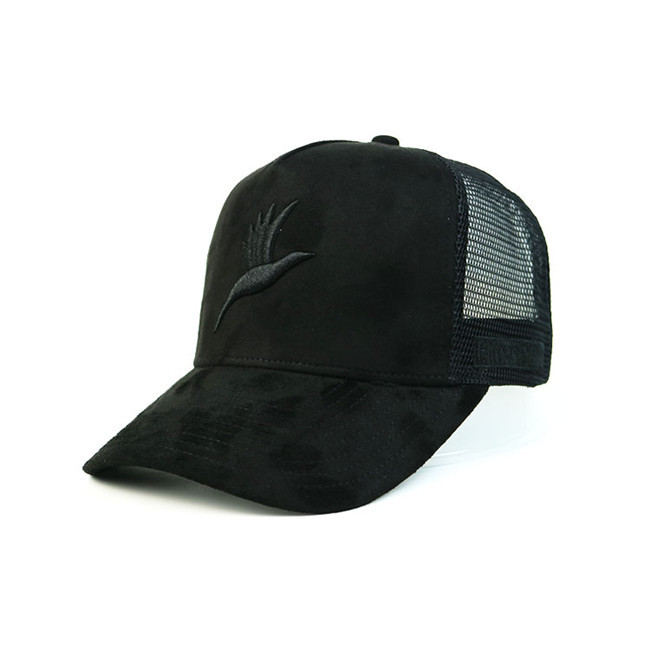 Personalized 5 Panel Suede 3D Embroidery Trucker Cap Black Color Polyester Mesh