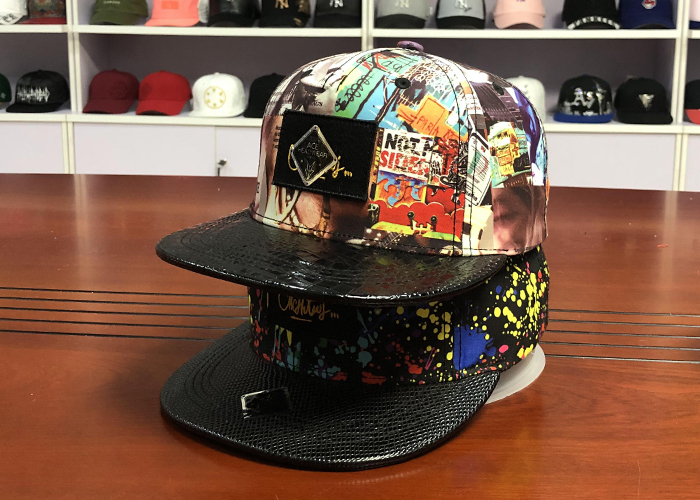 Plastic Buckle Flat Brim Snapback Hats Colorful Digital Sublimation Printed Leather Patch