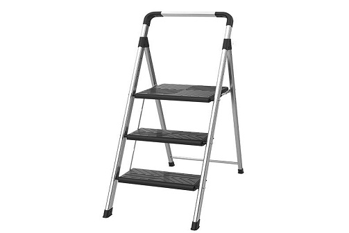 The Advantages of An Aluminium Ladder For Home Use
